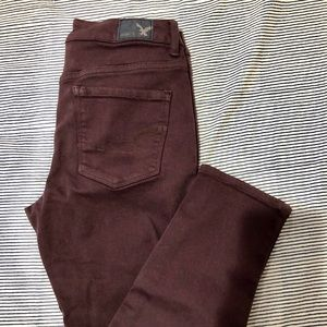 American Eagle burgundy High Rise Jegging Crop